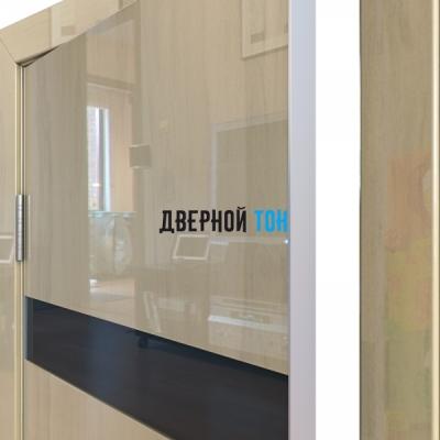 Гладкая дверь модель ДГ 502 глянец с алюминиевым торцом анегри светлый стекло черное