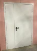 Металлическая полуторная противопожарная дверь Ei 60 RAL 7035