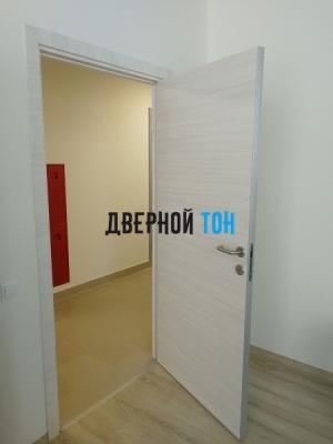 Гладкая дверь Капель с поперечным экошпоном серия ECO (телескопическая коробка) неаполь кремовый